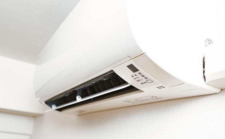 壁掛け通常エアコン